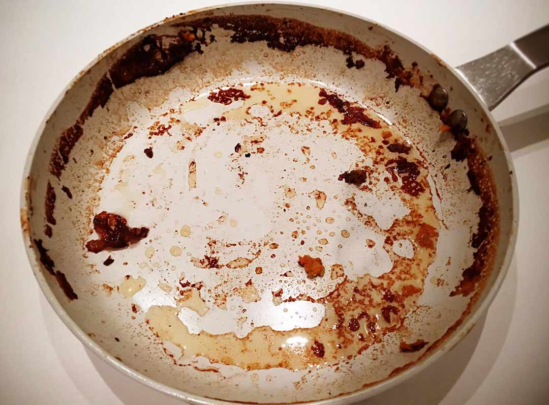 how_to_remove_burnt_food_from_non_stick_pan